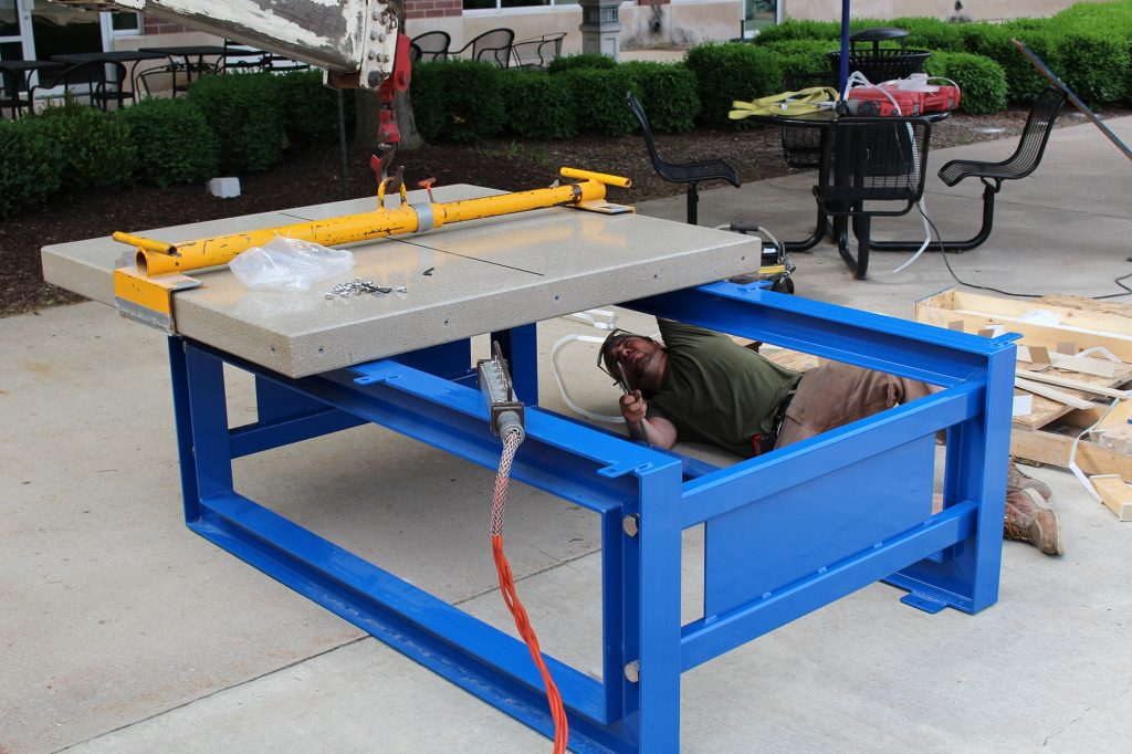 Assembling tabletop 1